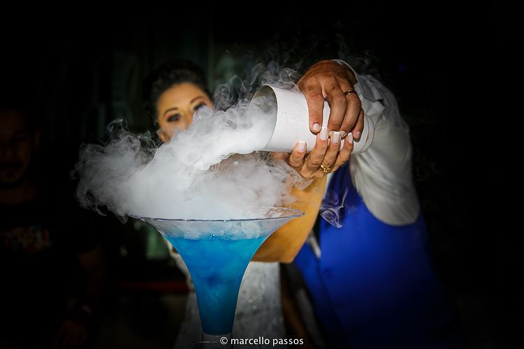 Tação de casamento com gelo seco